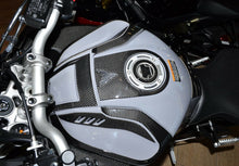 Load image into Gallery viewer, Real carbon fiber Fit Yamaha MT10 MT-10 FZ10 2018 gas cap tank cover pad Trim