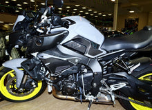 Load image into Gallery viewer, Fit Yamaha FZ10 MT-10 MT10 real carbon fiber sides knee grip Protector pad
