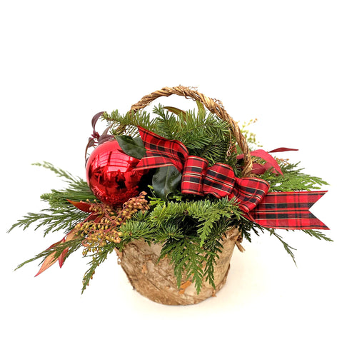 HOLIDAY BASKET PLANTER MEDIUM