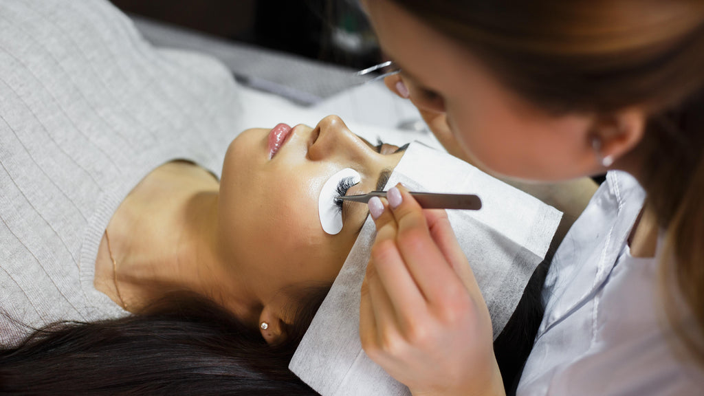 What to look for when looking for a Lash course