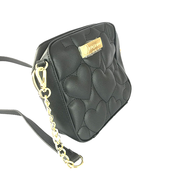 OUTLET Bolsa al hombro Betsey Johnson color negra