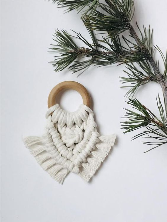 Growing Co. Kids - Eco-friendy Baby Essentials - Made in Canada Macrame and natural Beech Wood Teether