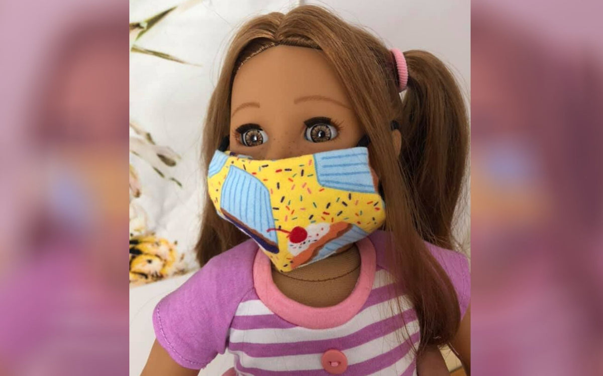 Learn how to make no sew face mask for 18 inch dolls to help your children feel more comfortable