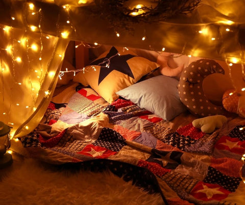 blanket fort, DIY fort, for kids, crafts and activities, for parents