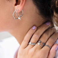 CLUSE Essentielle Silver Hexagon and Pearl Charm Hoop Earrings CLJ52002 - Orecchini indossati