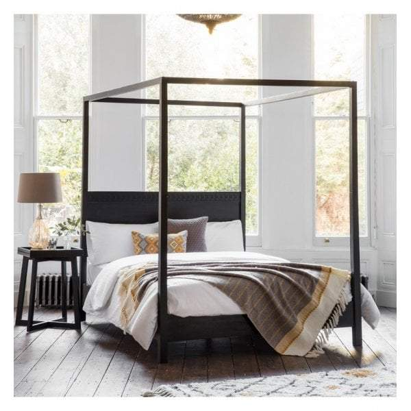 Brinda Boutique 4 Poster Queen Bed - House of Isabella AU