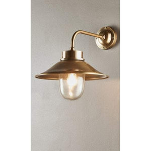 Sandhurst Wall Lamp in Antique Brass