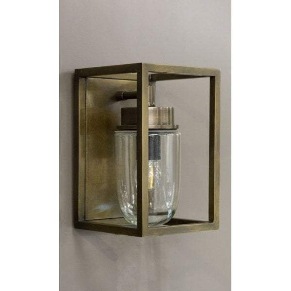 Wellington Wall Lamp Outdoor in Brass - House of Isabella AU