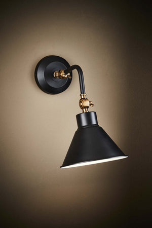 Nevada Wall Lamp in Black