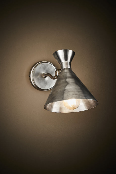 Lawson wall lamp in silver - House of Isabella AU