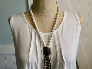 Lariat Style Pearl and Leather Boho Necklace, White Pearl with Pink Rhinestone
