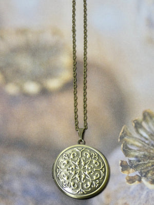 Locket Necklace - Circle Celtic Pattern Picture Locket