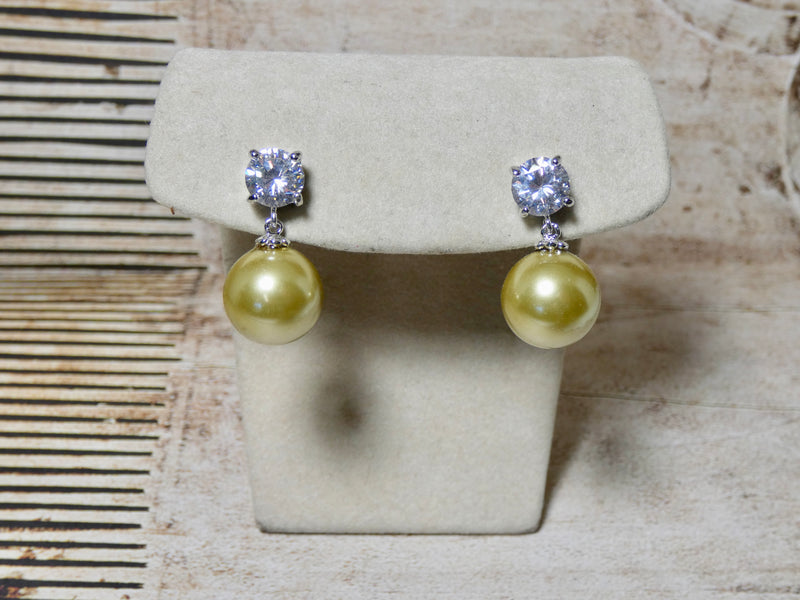 Pearl and Crystal Earring