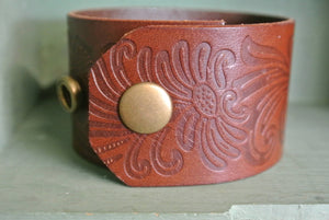 Leather Cuff Bracelet, Vintage Key Hole
