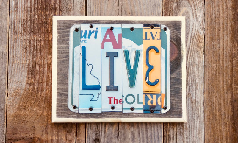 Live License Plate Sign