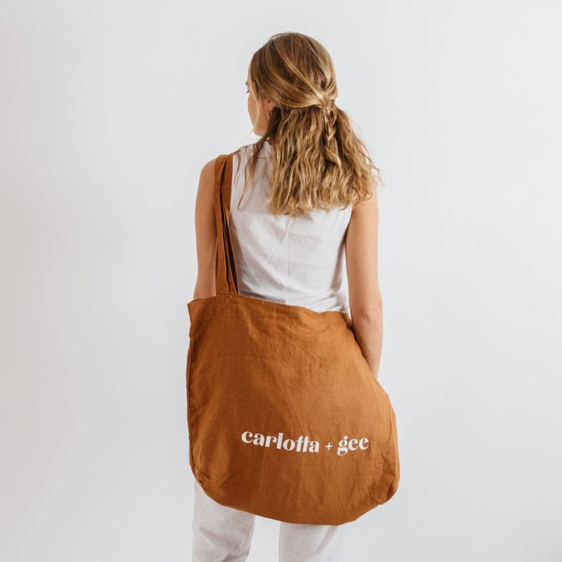 C + G Linen Bag in Tobacco