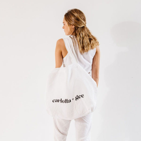 C + G Linen Bag in White
