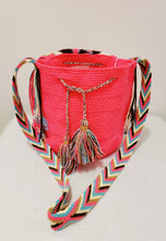Pink Medium Handmade Wayuu Mochila Bag with Flap - Wuitusu
