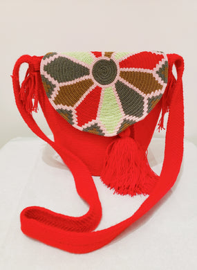 Red Medium Handmade Wayuu Mochila Bag with Flap - Wuitusu