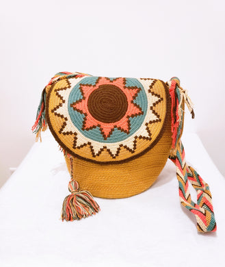 Tan Medium Wayuu Mochila Bag with Flaps - Wuitusu