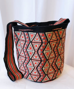 Meg One-Thread Handmade Wayuu Mochila Bag - Wuitusu