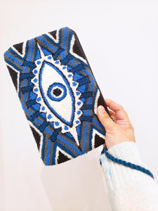 Handmade Punch-needle Blue Evil Eye Wayuu Clutch - Wuitusu