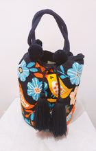 XL Birdies Handmade Wayuu Punch-needle Wayuu Bag - Wuitusu