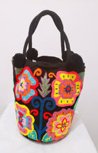XL Flowers Punch-Needle Handmade Wayuu Short-Handle Bag - Wuitusu