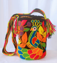 Peacock on Black Handmade Punch-needle Tapiz Mochila Bag - Wuitusu