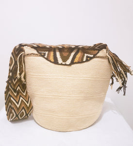 Large Beige Handmade Crochet Wayuu Bag with Flap - Wuitusu