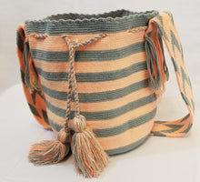 Grey and Pink Handmade Wayuu Mochila Bag - Wuitusu