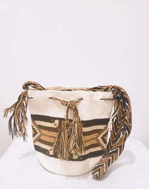 Ava Handmade Medium Wayuu Bag - Wuitusu