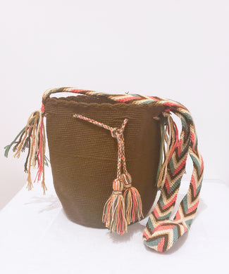 Emma Handmade Medium Wayuu Bag - Wuitusu