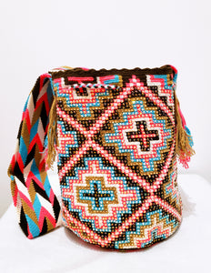 Hannah Handmade-Wayuu Bag with Crystals - Wuitusu