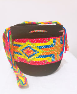 Isabella Handmade Medium Wayuu Bag with Crystals - Wuitusu