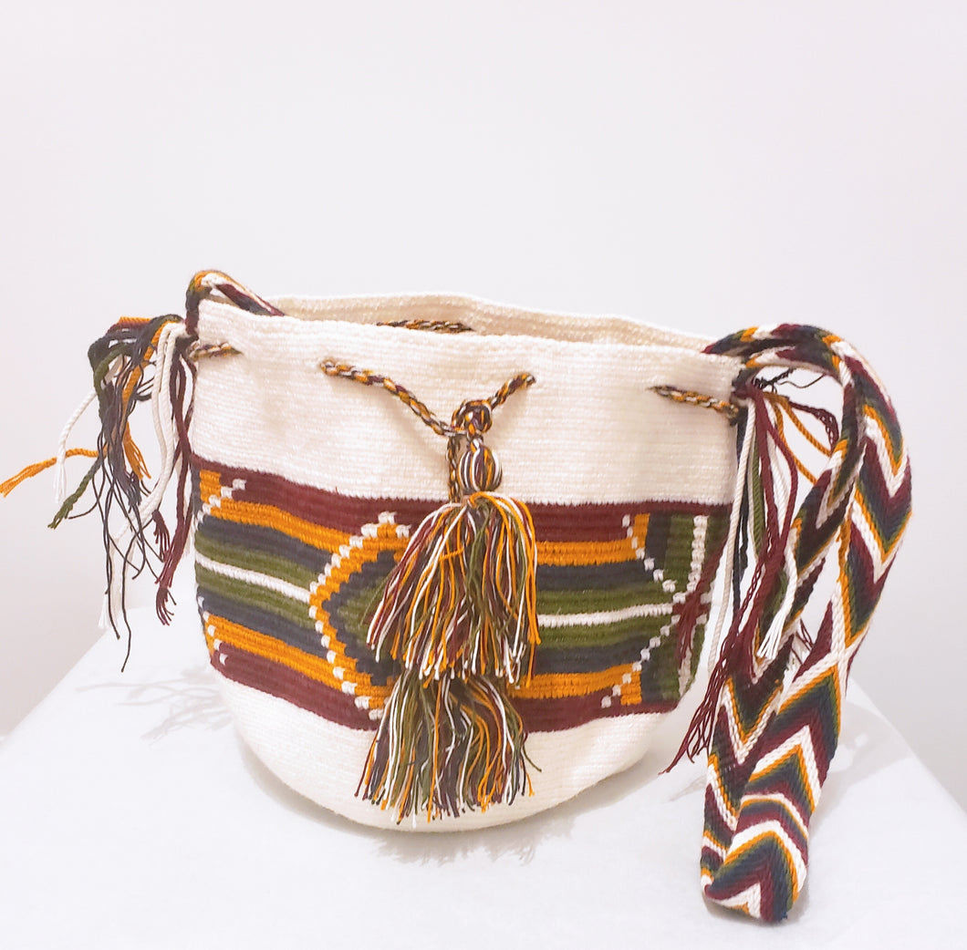 Olivia Handmade Medium Wayuu Bag - Wuitusu