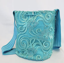Large Aquamarine Handmade Wayuu Mochila Bag with Lace And Pearls - Wuitusu
