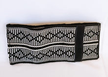 Black and White Handmade Wayuu Men's Wallet - Wuitusu