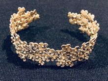 Load image into Gallery viewer, 18K Gold Vermeil Flower Cluster Cuff