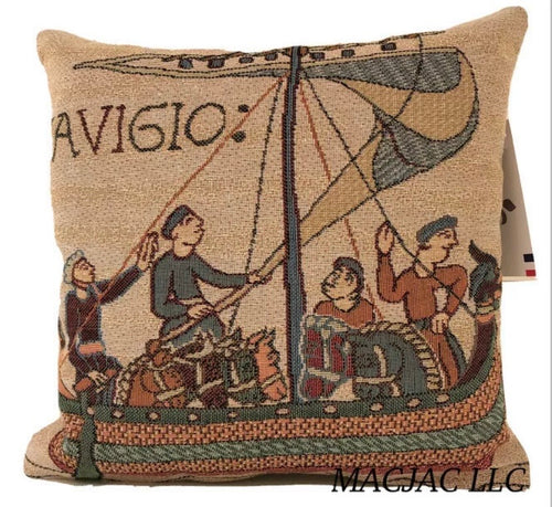 Bayeux Cathedrale Pillow