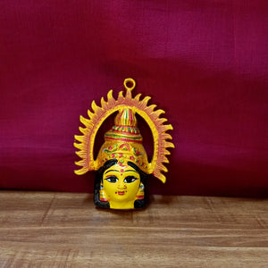 Varalakshmi face with prabhe (small)