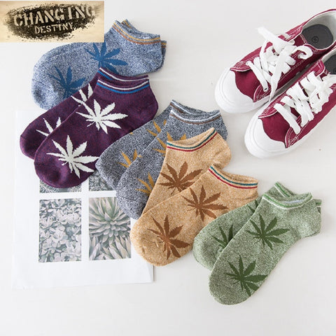 New Fashion Handsome Men Socks Maple Leaf Socks Skateboard Men Socks Hemp Socks Cotton Fashion People Must-moslily