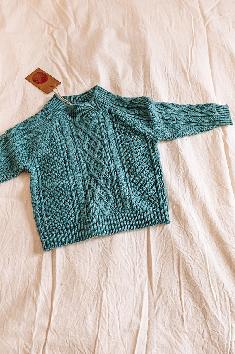 MERINO CABLE KNIT SWEATER - OCEAN BREEZE