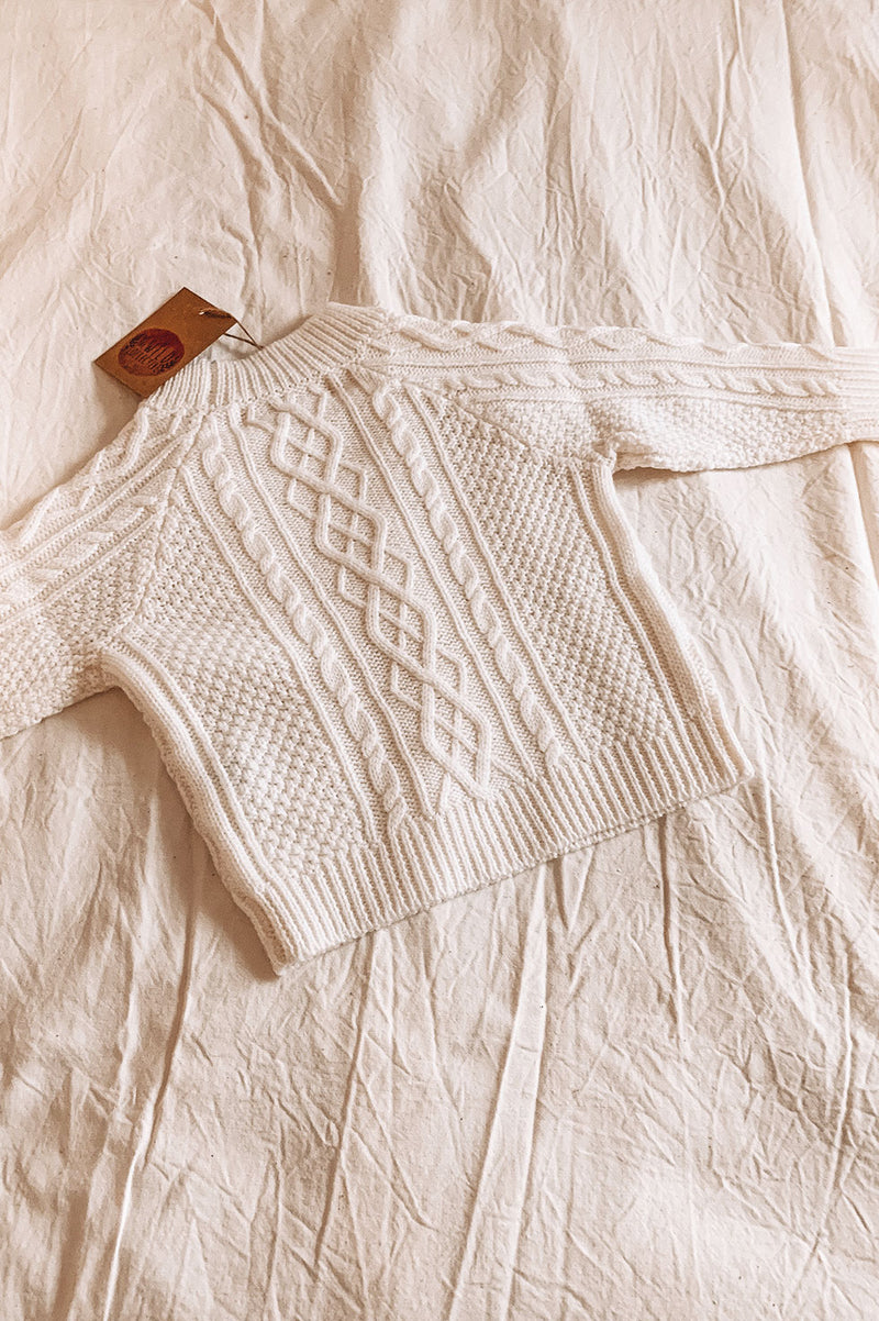 MERINO CABLE KNIT SWEATER - MILK