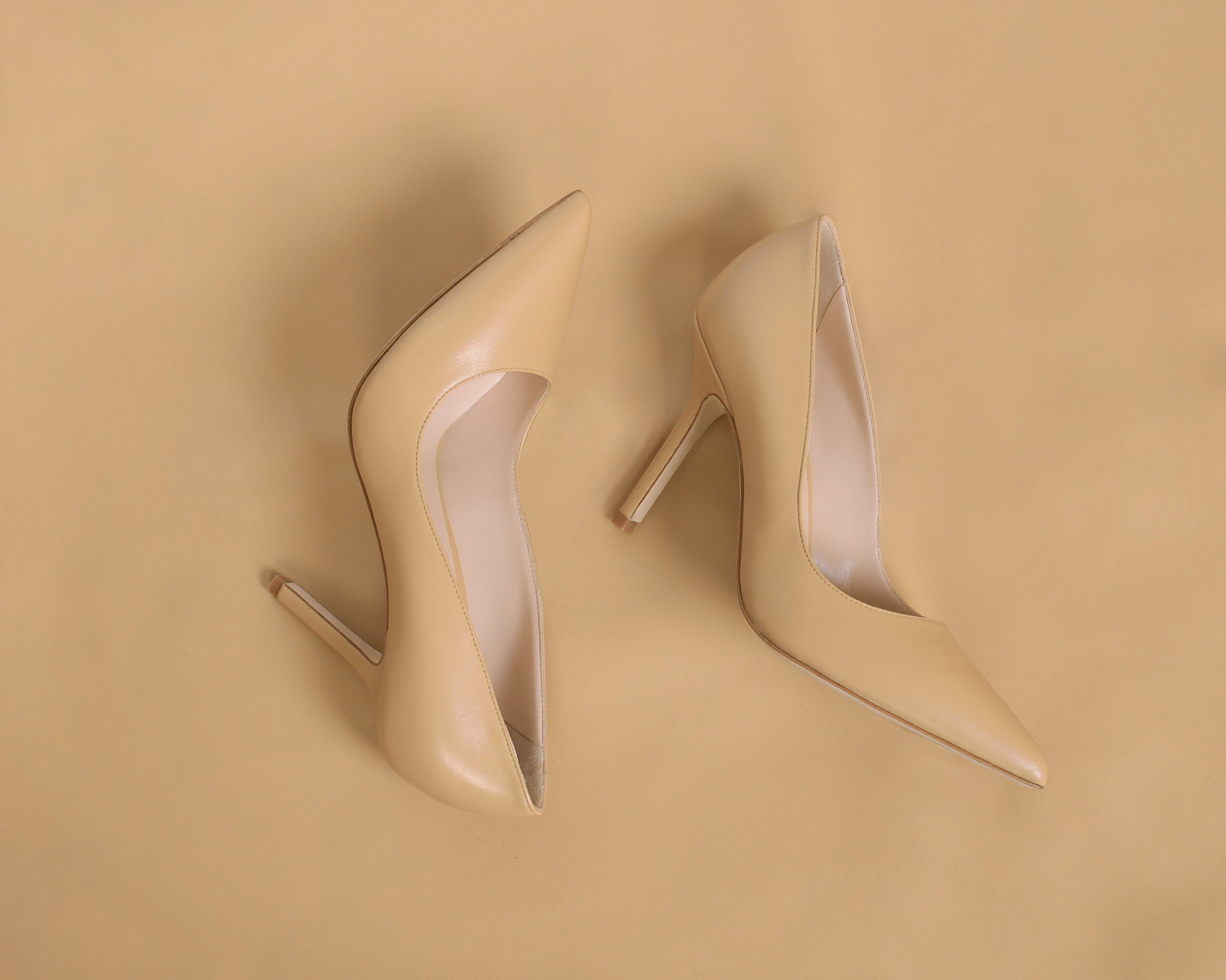 Beige Pumps. Women's Light brown High Heels. Nude Pumps. Nude Skin tone women's shoes. Business Shoes. Office Professional High Heels. Crème color. Cream, tan shoes.