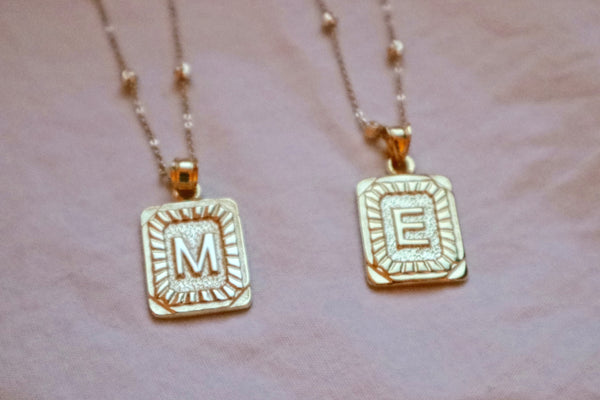 Medaillon Necklace