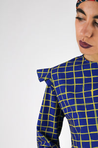 Blouse with flounces on the shoulders, square pattern