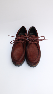 Lace-up shoes in burgundy pony skin