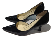 Load image into Gallery viewer, Anne Klein Black patent court shoe US 6/UK 5