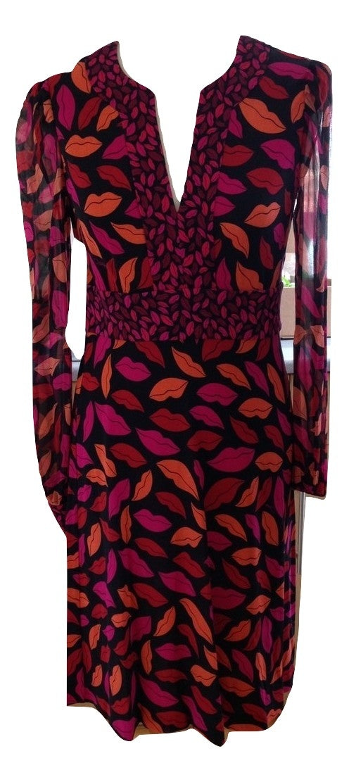 Diane Von Furstenberg Lip Dress Size 2 in Very Good Condition